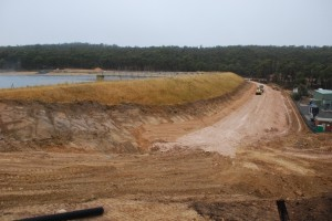Musical Gully Dam Safety Upgrade works - February 2014 Filter and Berm installation underway