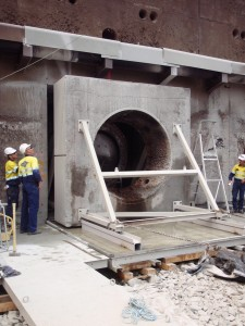 Skating the valve chamber wall out to expose the regulating valve